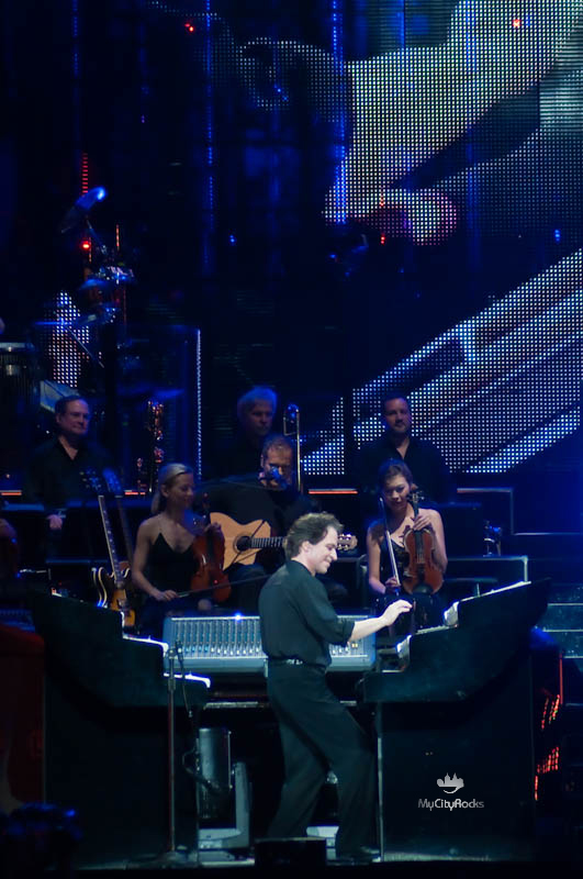Yanni Voices at Toyota Center - June 13, 2009